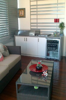 Built in BBQ & Servery