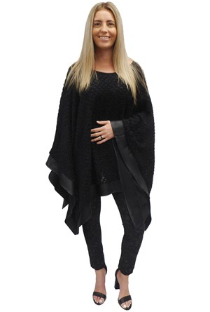 BLACK - Winter poncho