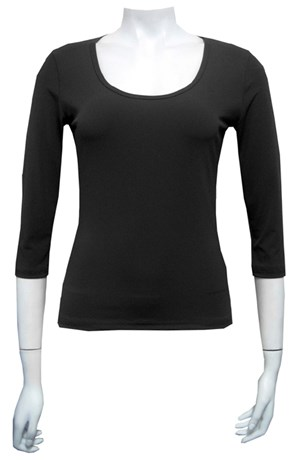 Soft knit 3/4 sleeve scooped neck tee