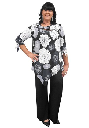 Danni soft knit tunic top with front band detail