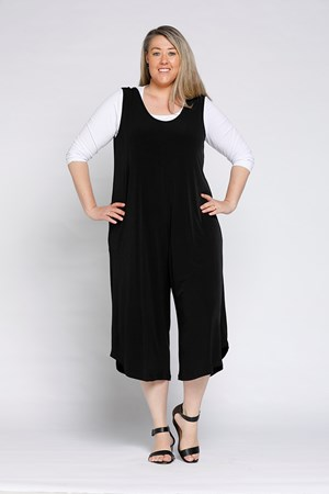 RTM 2632 JUMPSUIT WORN WITH RTM 710 IN WHITE